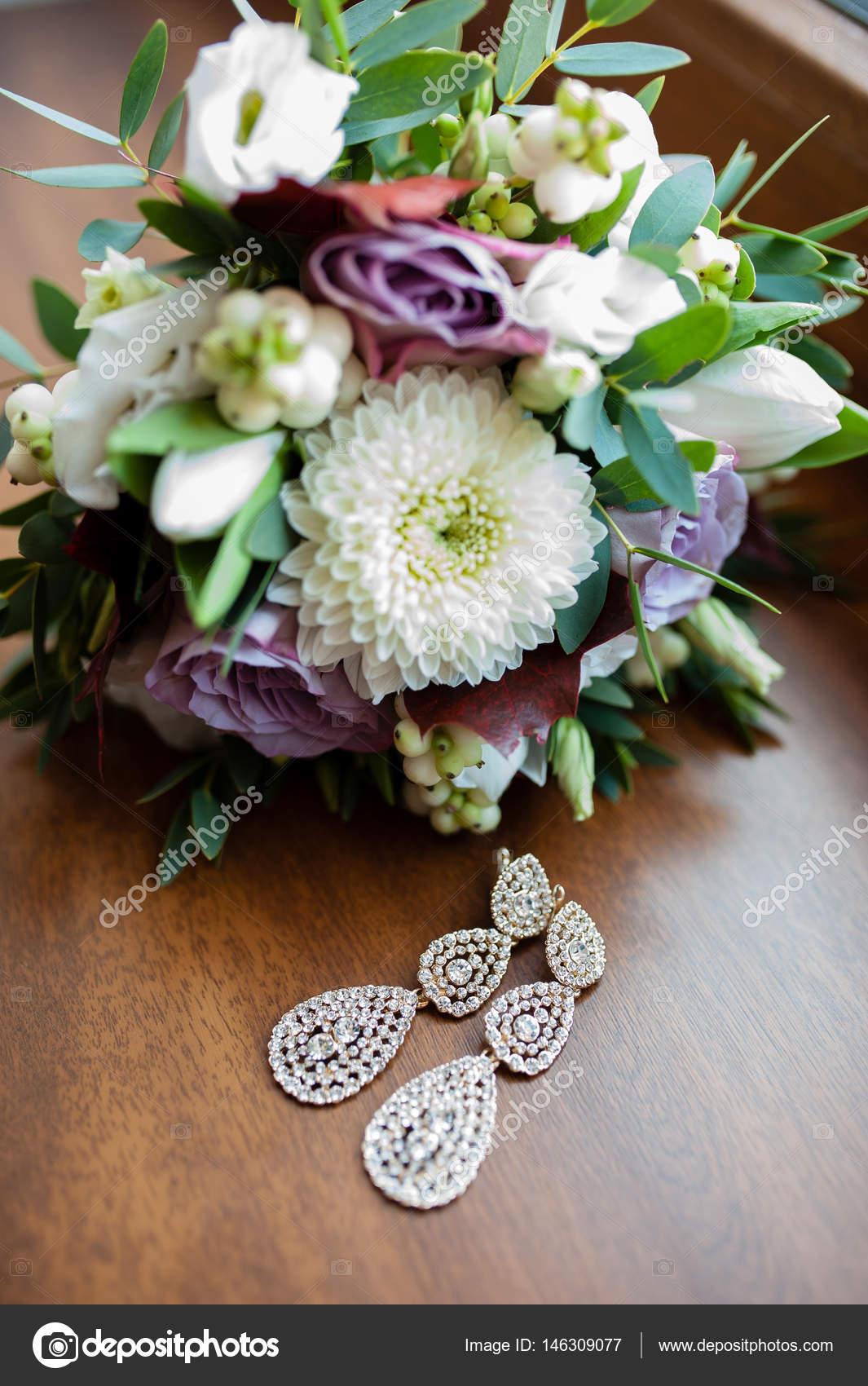 boucles d'oreilles bouquet et de demoiselle d'honneur de mariage