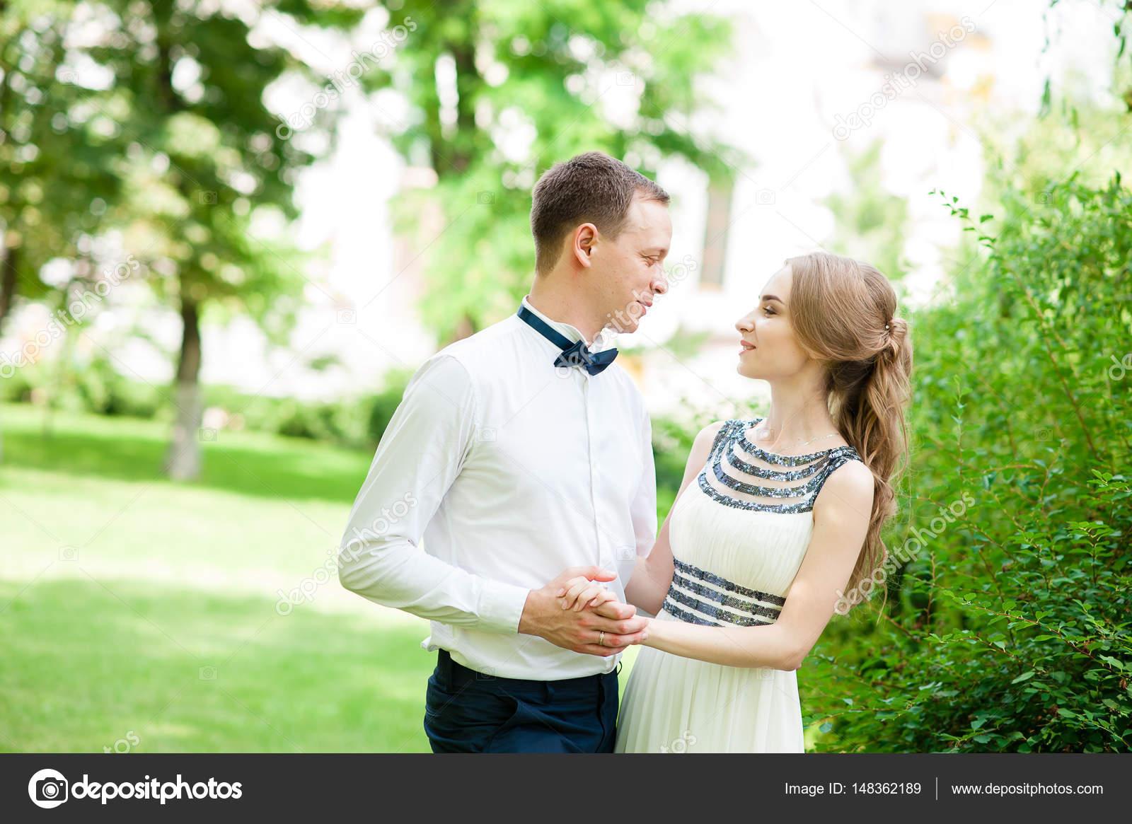seznamka biracial randění s datem, jak získat přítelkyni