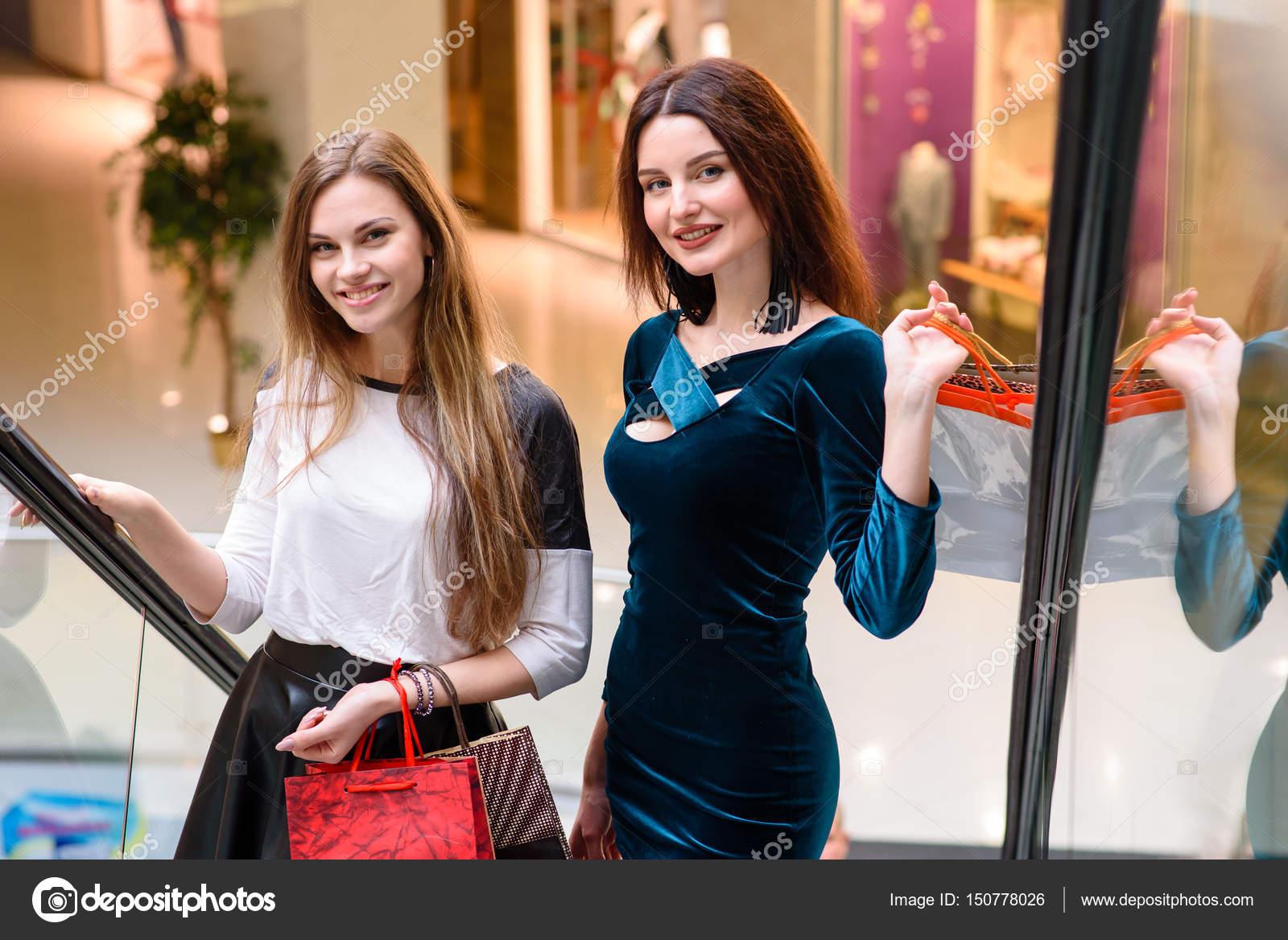 Девушки красиво ходят 15