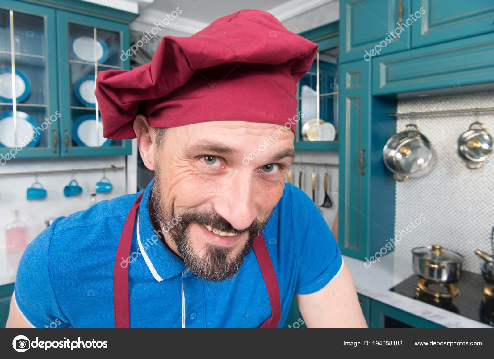 Cuoco Unico Bello Nel Sorriso Cappello Voi Uomo Grembiule Cucina — Foto  Stock 96b318cd56cf