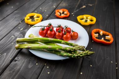 Fresh vegetables on plate