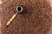 kávová zrna a Turek