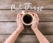 kávé bögre gőz kezében