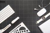 SmartWatch a kancelářské potřeby