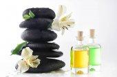 Fotografie Zen stones a esenciální oleje