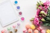 Digitales Gerät und Kosmetik