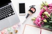 Digitálních zařízení a kosmetika