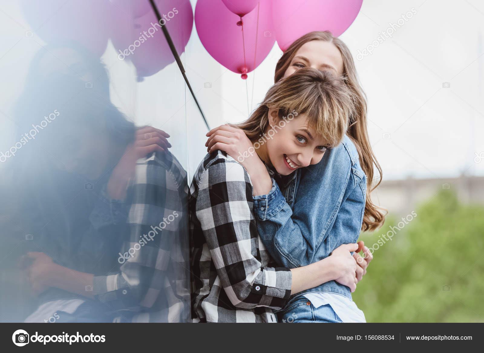 Leszbikus lány csövek
