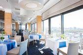 interiér luxusní restaurace