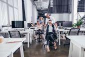 nadšený podnikatelů na židle