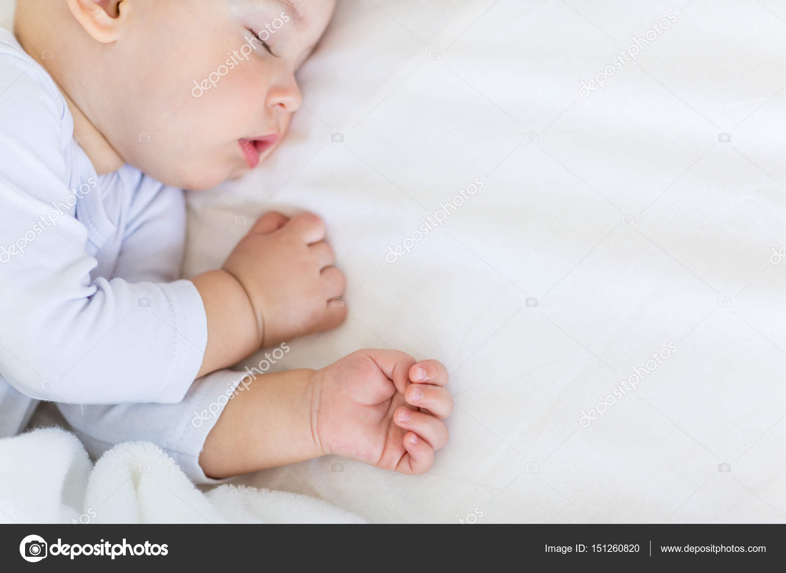 baby boy sleeping — stock photo © lenamiloslavskaya #151260820