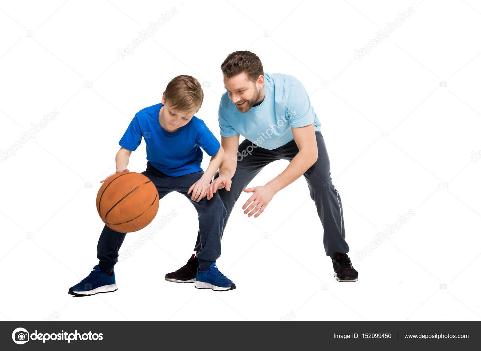 Padre E Hijo Jugando Al Baloncesto