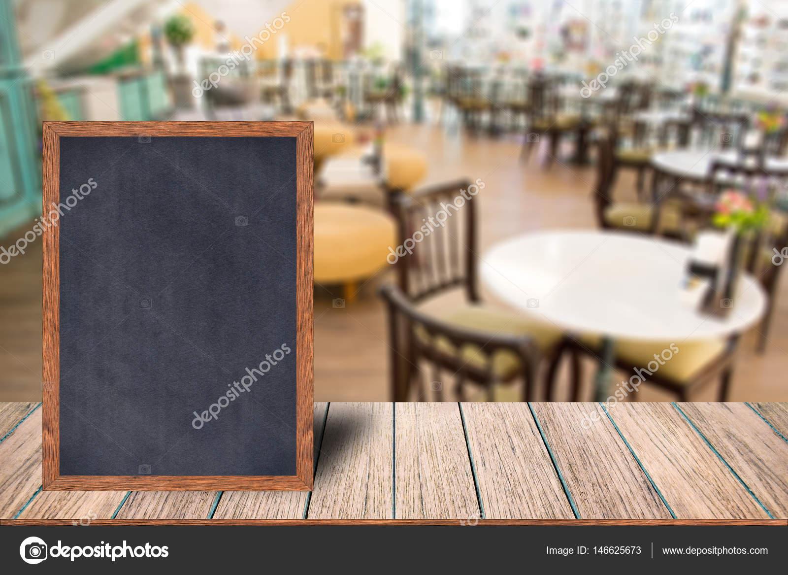 Tafel Holzrahmen Tafel Zeichen Menü auf Holztisch — Stockfoto ...
