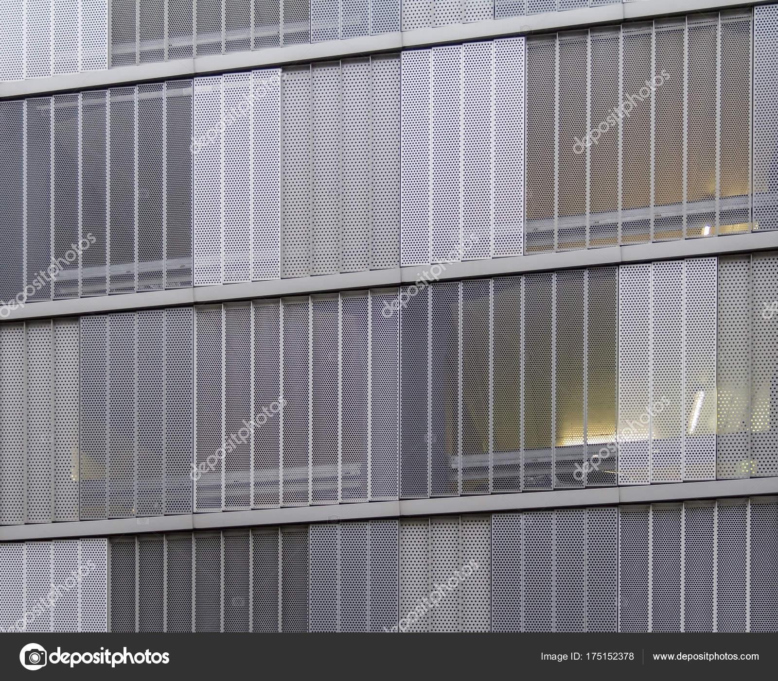 Inspirierend Fassade Mit Blech Verkleiden Sammlung Von Full-frame-detail Der Des Es Perforierten Metallplatten Verkleidet