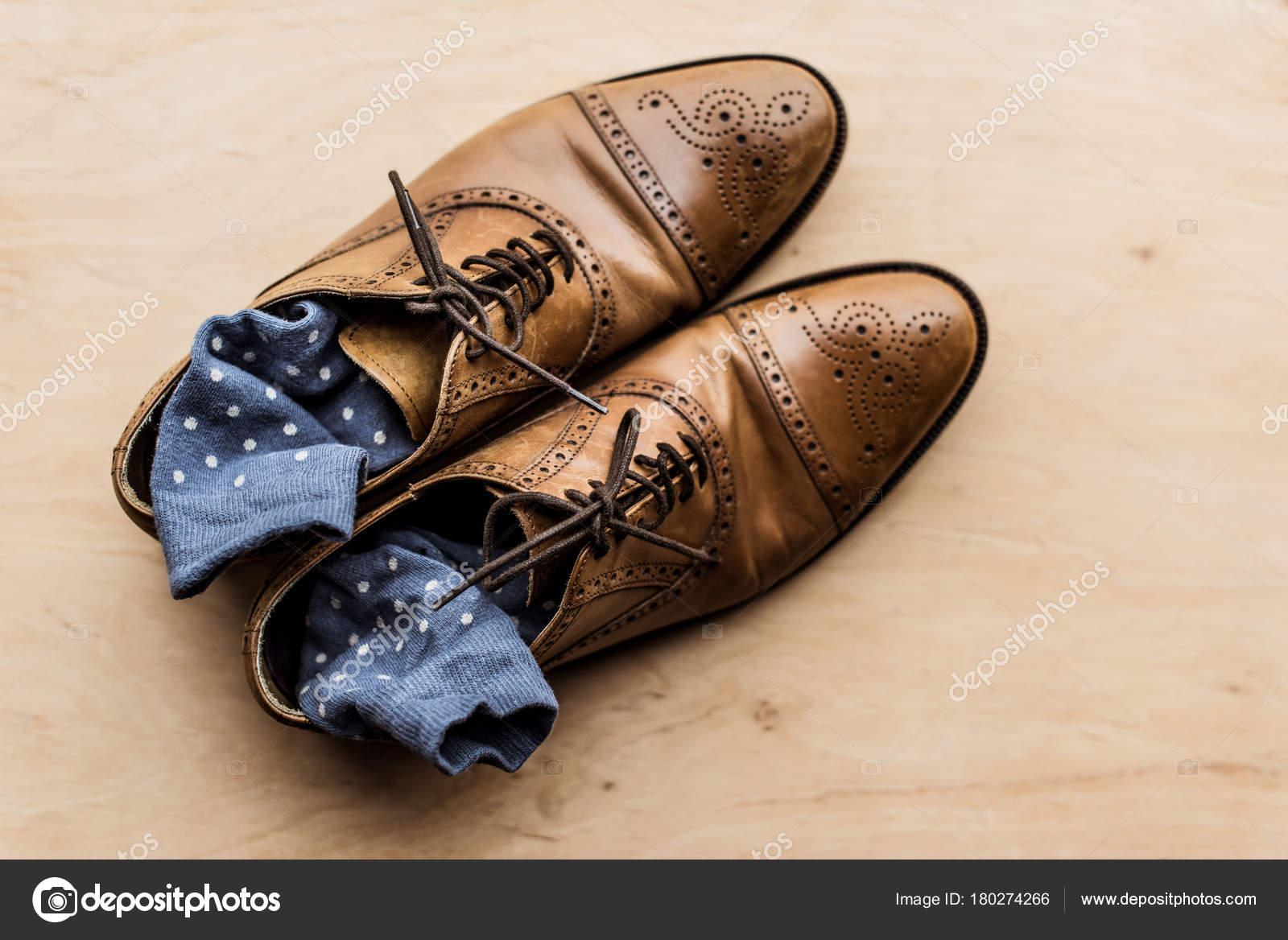 Draufsicht Der Braune Männliche Schuhe Mit Socken Inneren