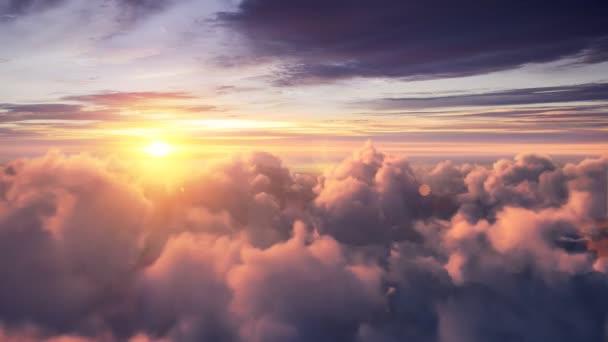 fliegen über schönen Abend Zeitraffer-Wolken, nahtlos überflogen
