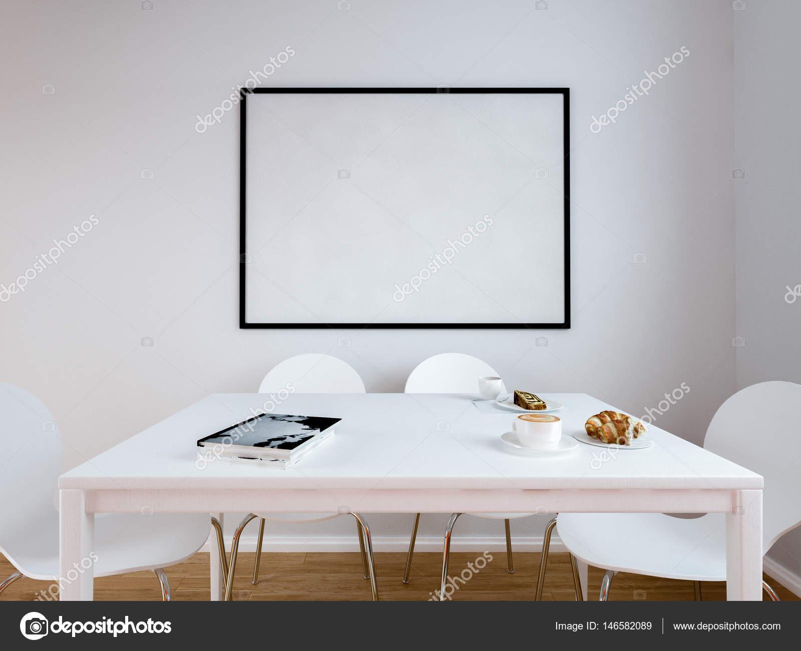 Tavolo da cucina e sedie, cornice in bianco sulla parete — Foto ...