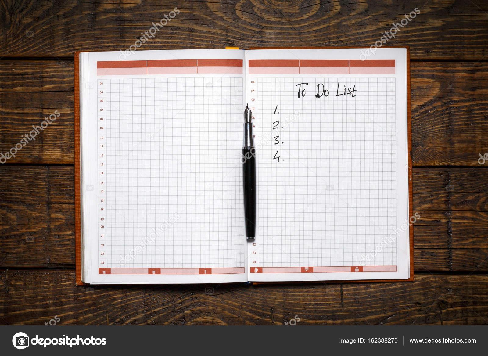 To Do Liste Ideen organizer mit to do liste auf hölzernen hintergrund memo planung