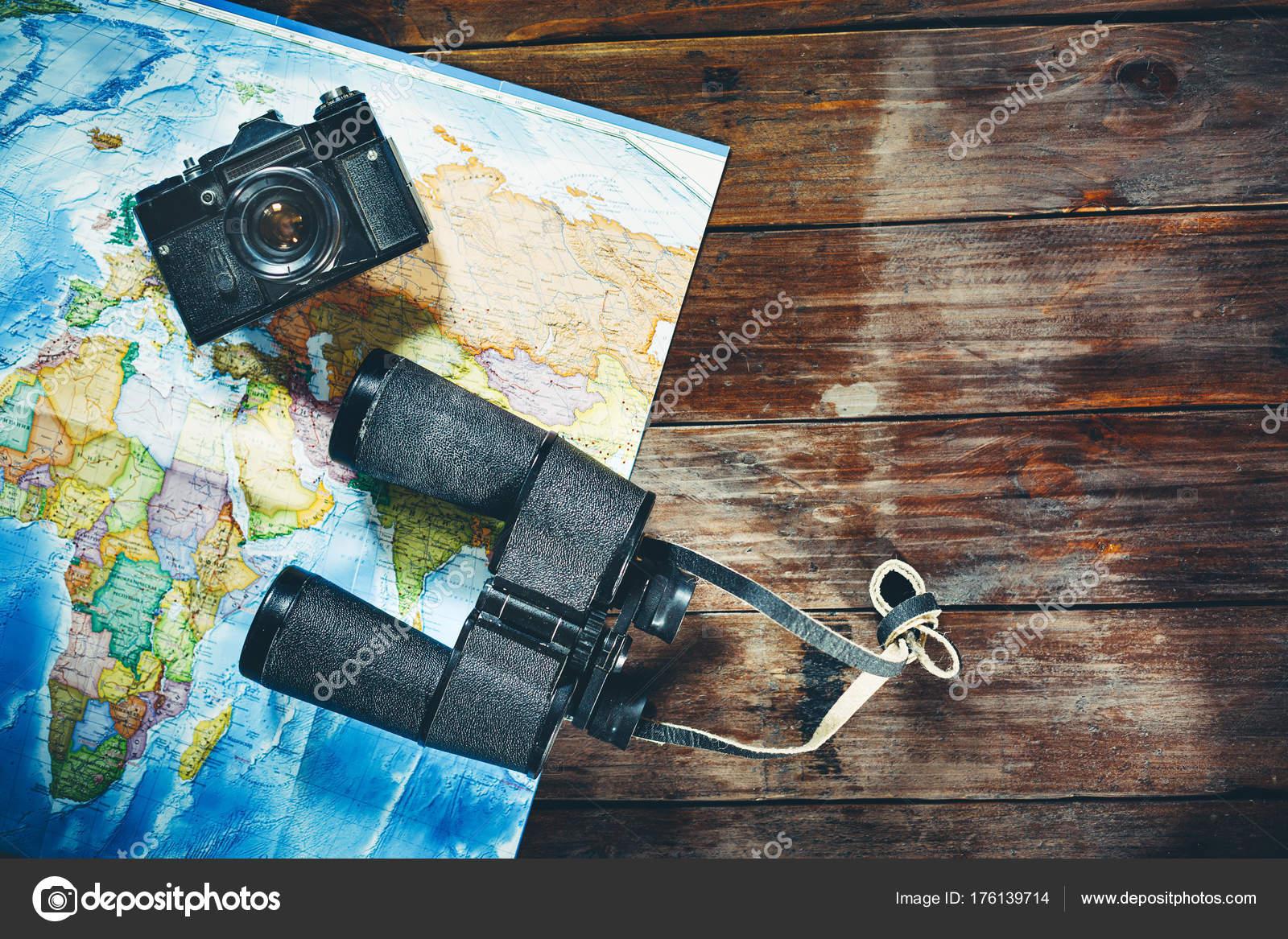 Zubehör für reisen vintage film kamera karte und fernglas