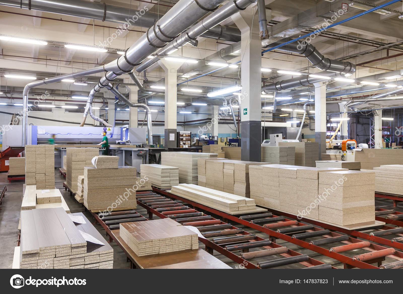 L nea de producci n de la f brica de muebles foto for Muebles la fabrica precios