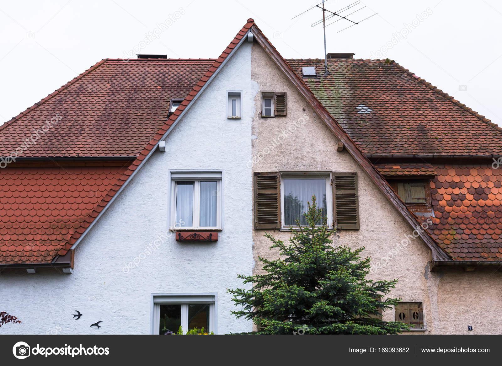 Oud huis krijgt gerenoveerd u stockfoto ms grafixx