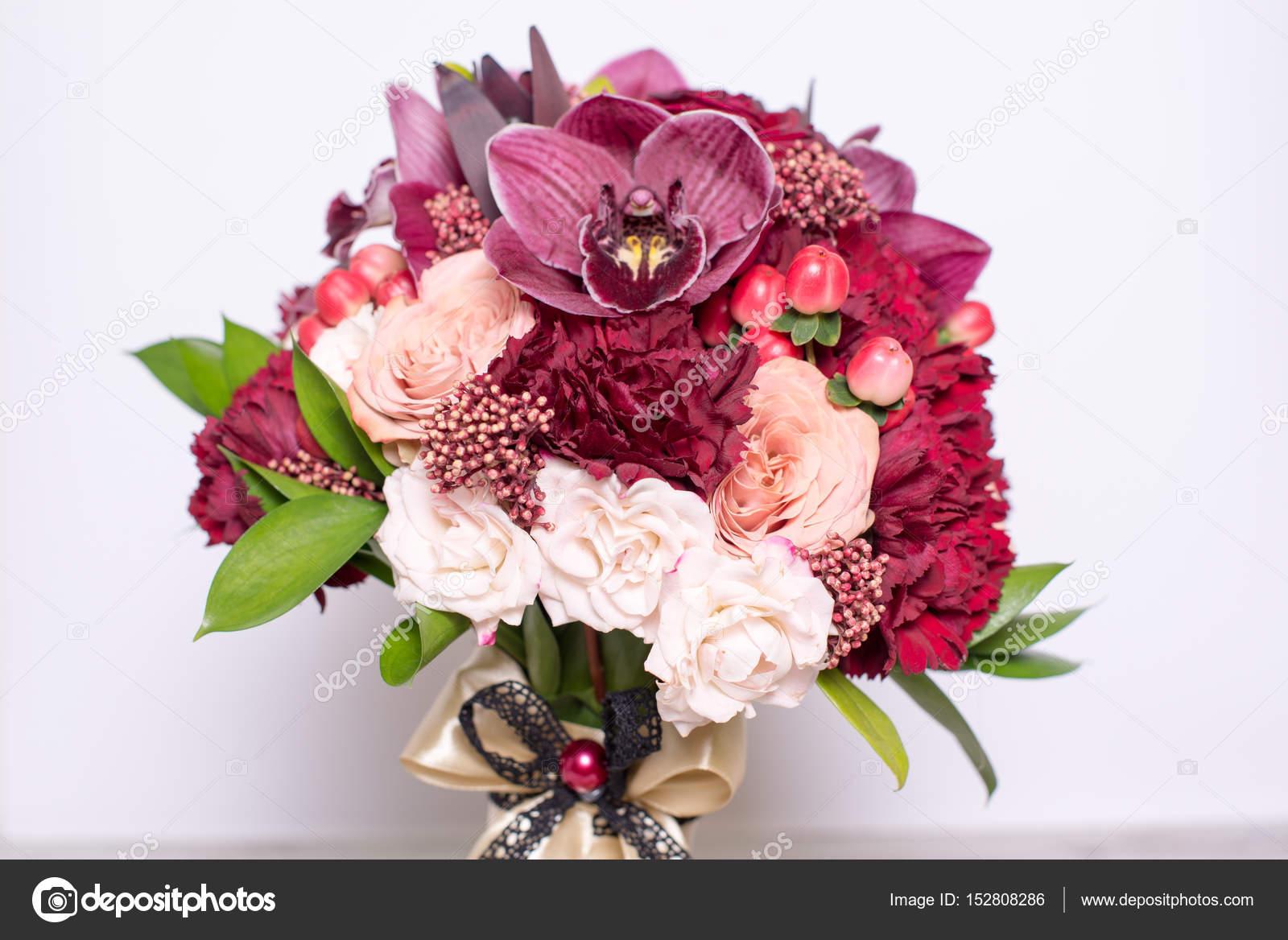 Hermoso Arreglo Floral Fotos De Stock Alexitskovich