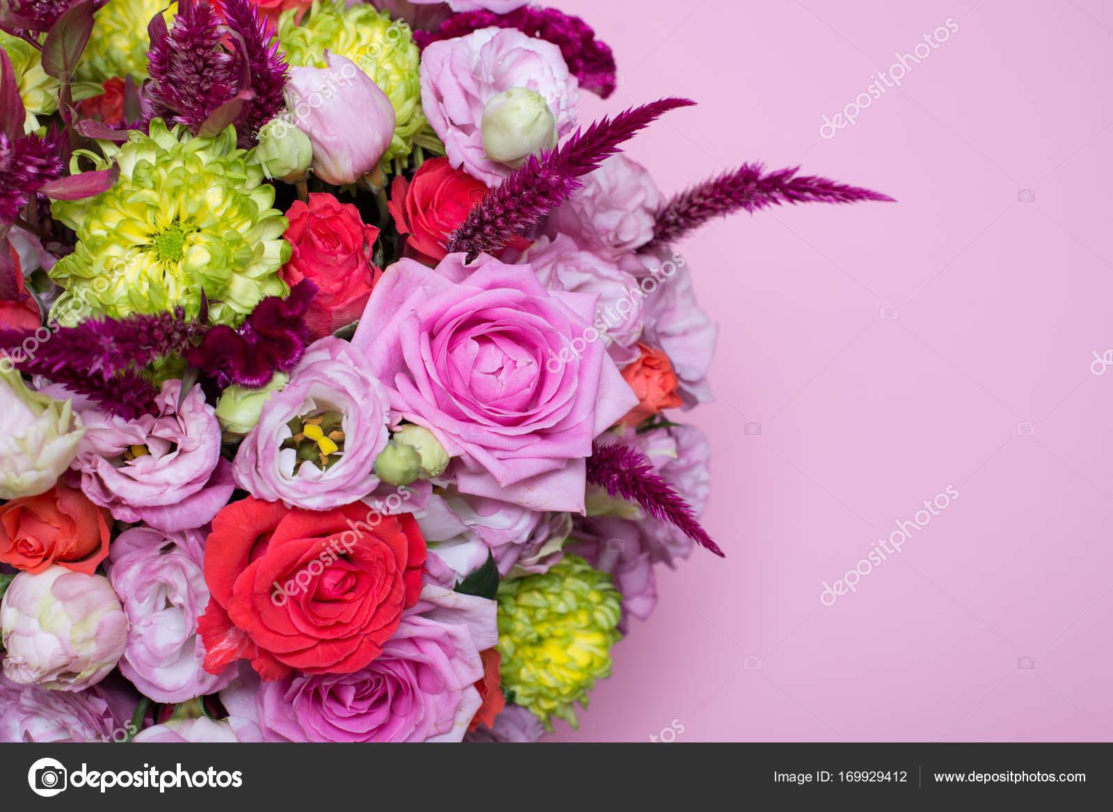 Hermoso Arreglo Floral Rosa Y Rojo Color De Rosa Eustoma
