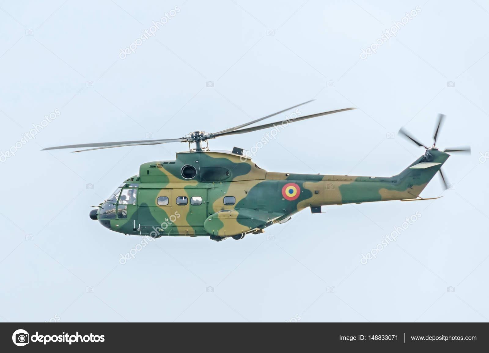 Elicottero Puma : Puma elicottero piloti formazione nel cielo blu vista