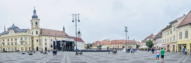 reat Square from downtown (Piata Mare)