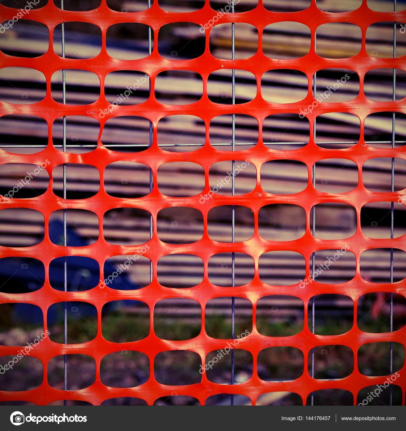 Rete In Plastica Per Cantiere.Rete Di Plastica Di Protezione Di Un Cantiere Edile Foto Stock