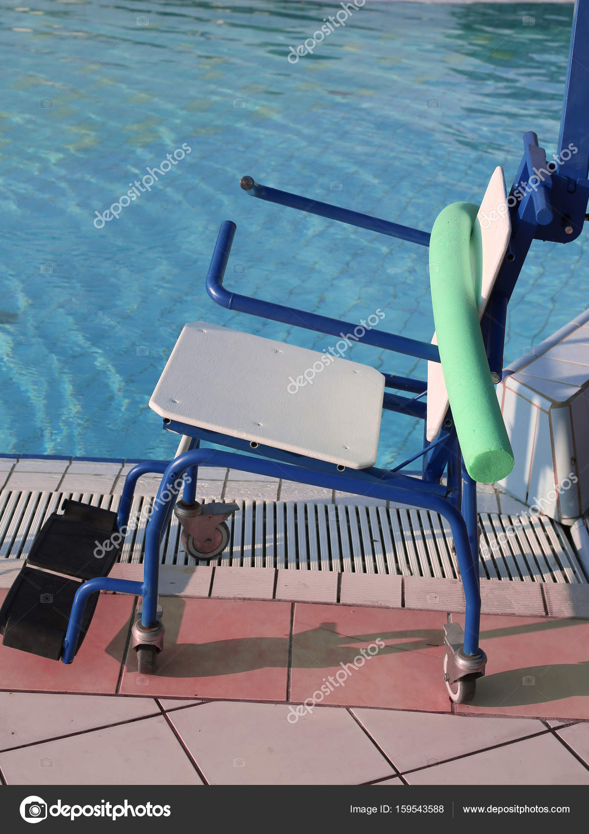 wheelchair to enter the swimming pool for rehabilitative gymnast ...