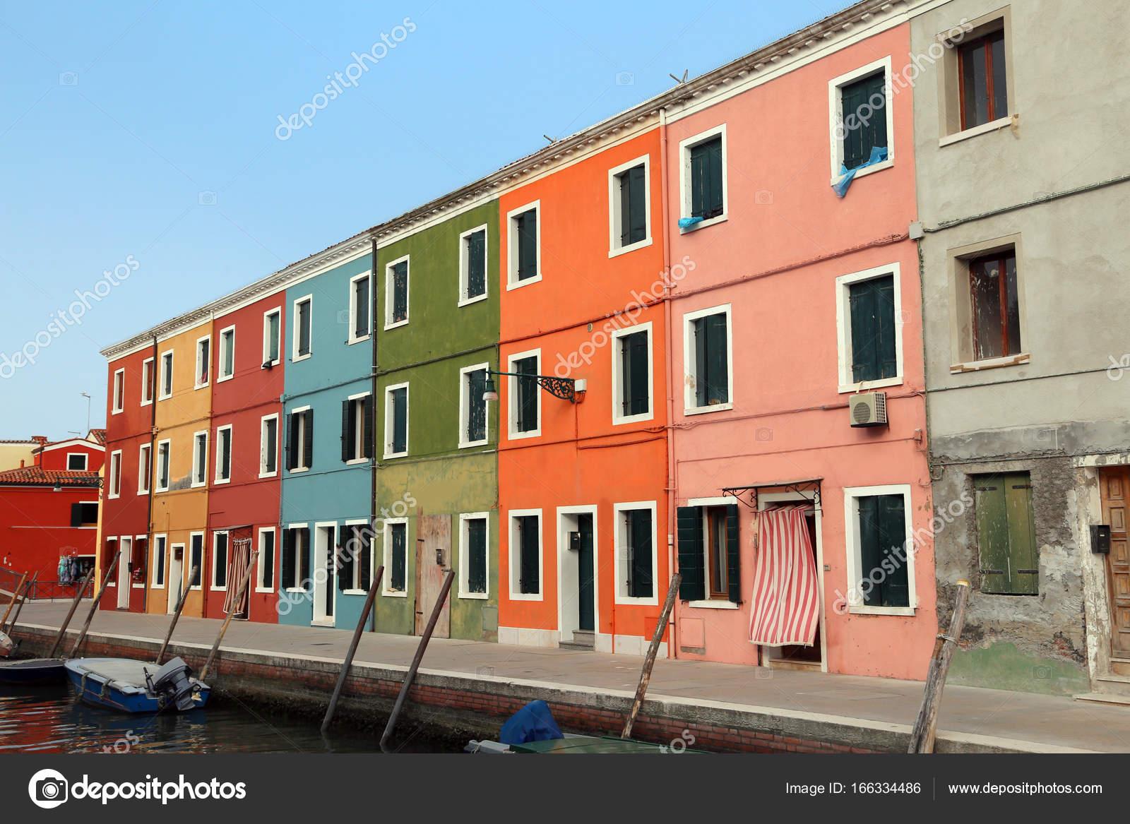 Anschauliche farbige h user auf der insel burano in for Case roma nord