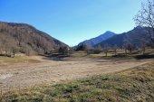 paesaggio di inverno dove una volta cera un lago in italiano muni