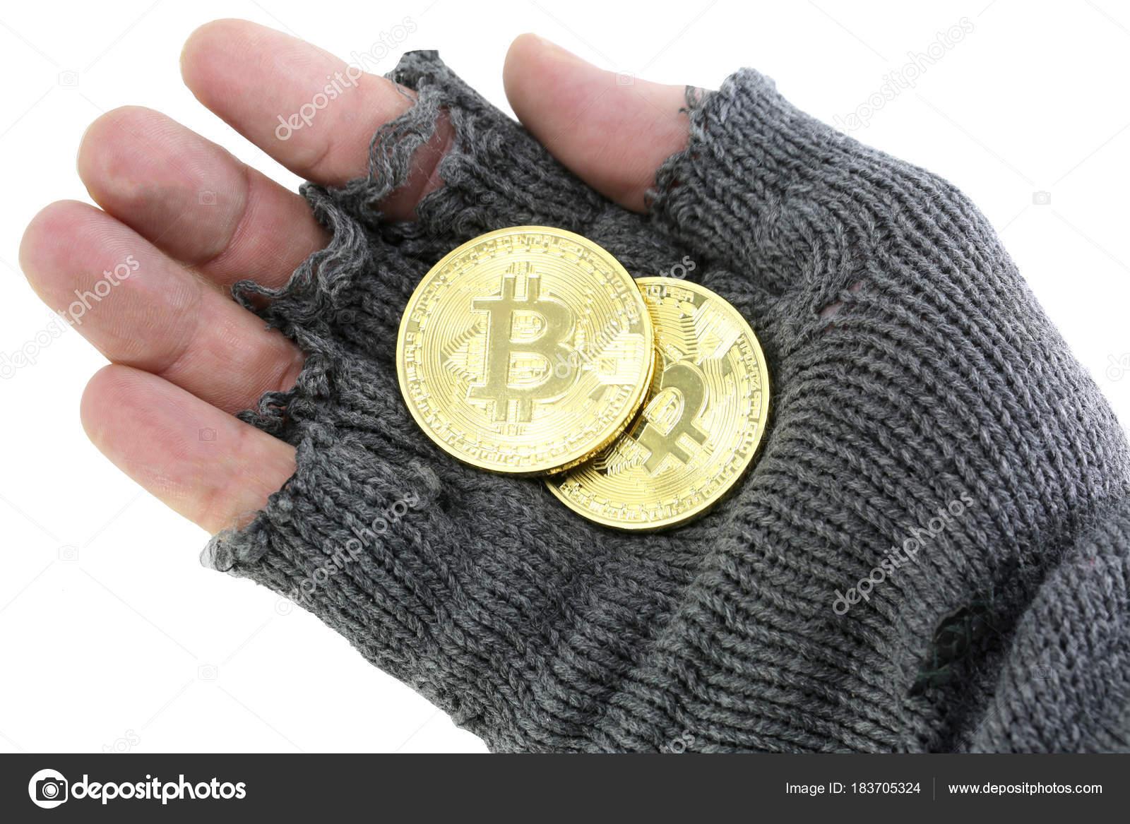 Hand Der Armen Mit Gebrochenen Handschuh Mit Zwei Bitcoin Münzen