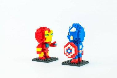 IRONMAN and CAPTAIN AMERICA Micro Blocks