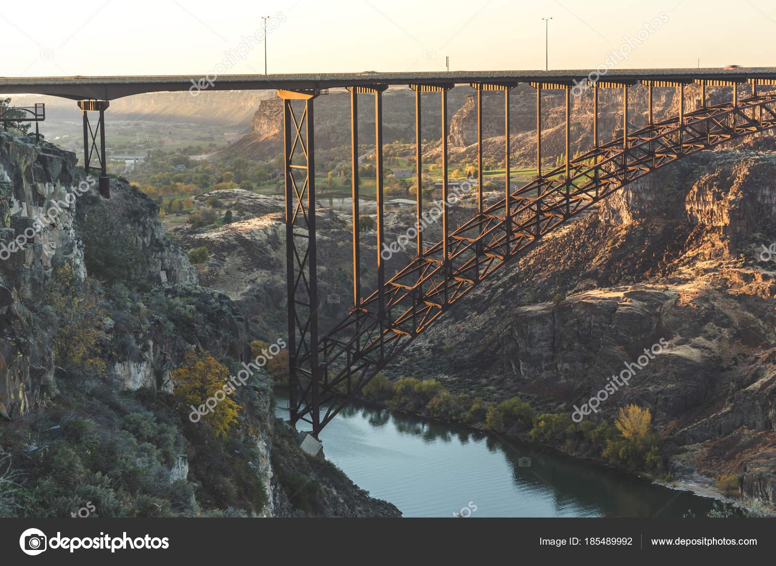 Perrine Bridge In Twin Falls Idaho Stockfoto Theadaptive 185489992