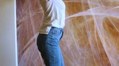 Попка в джинсах русской девушки фото крупный план — img 11