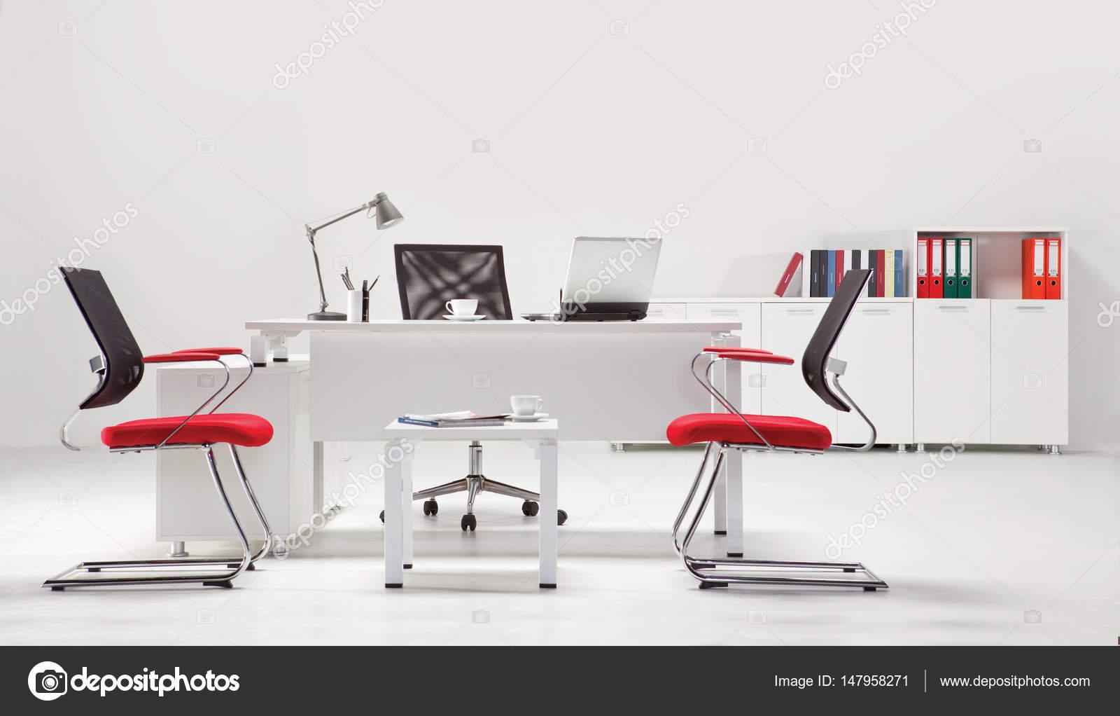 Mobili Per Ufficio Su : Mobili per ufficio per manager u foto stock yoska