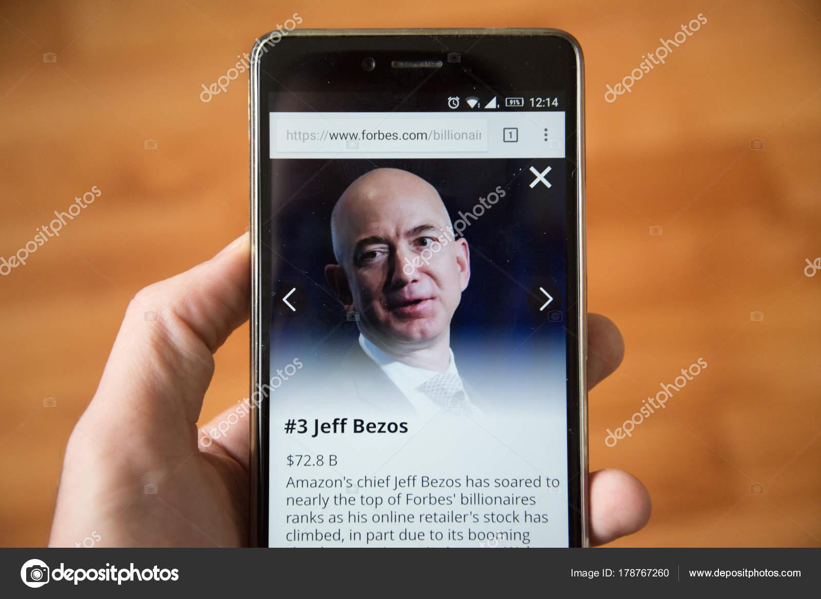 London December 2017 Jeff Bezos Forbes Website Mobile Phone Version