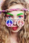 Fotografie Schönheit Hippie-Frau mit stylischer Brille