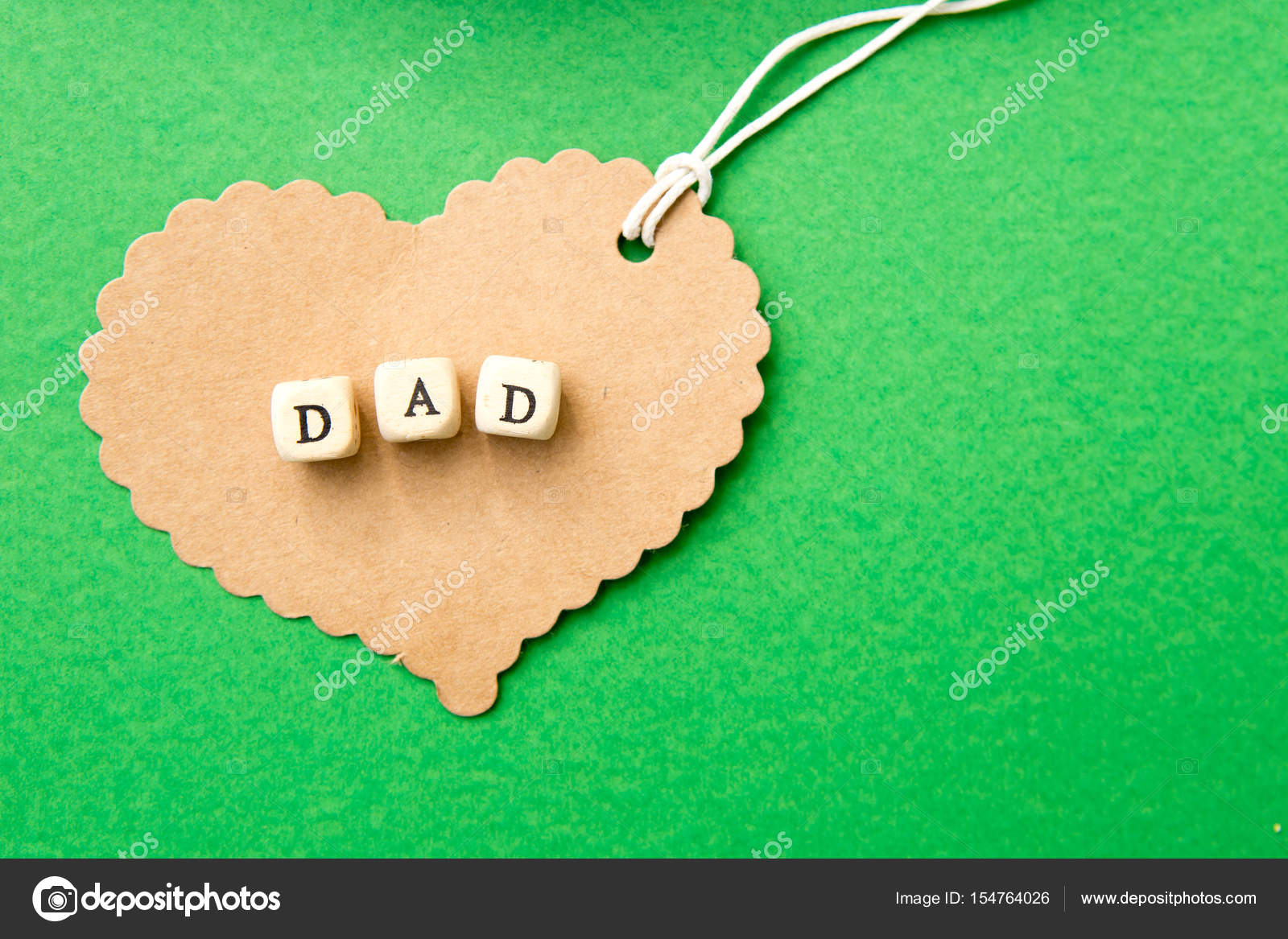 Fondo Dia Del Padre: Papá Corazón Cartón En Fondo Verde