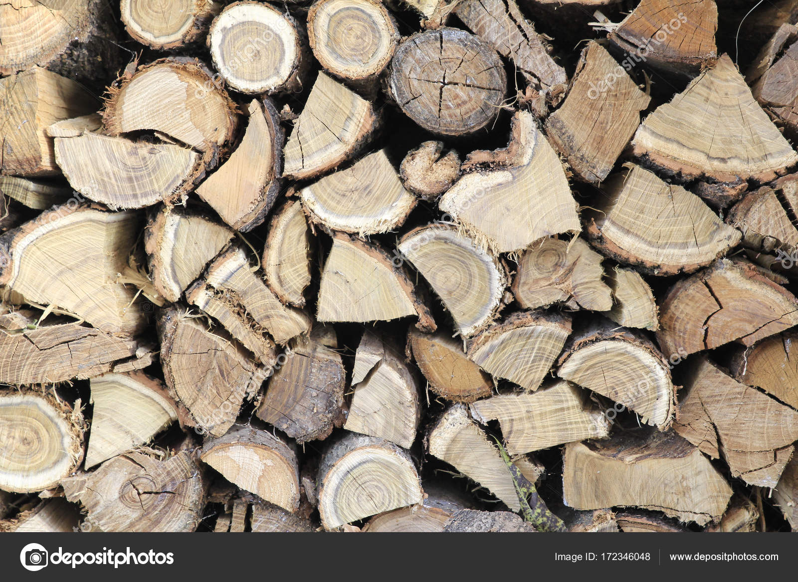 depositphotos 172346048 stock photo wood stack wallpaper - Tapete Holzstapel
