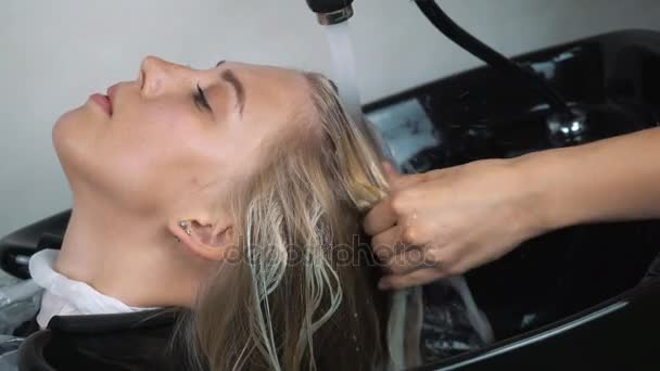 Kadeřnice vlasy spreje s hadicí k ZÁKAZNICÍM vlasy opláchněte v salonu