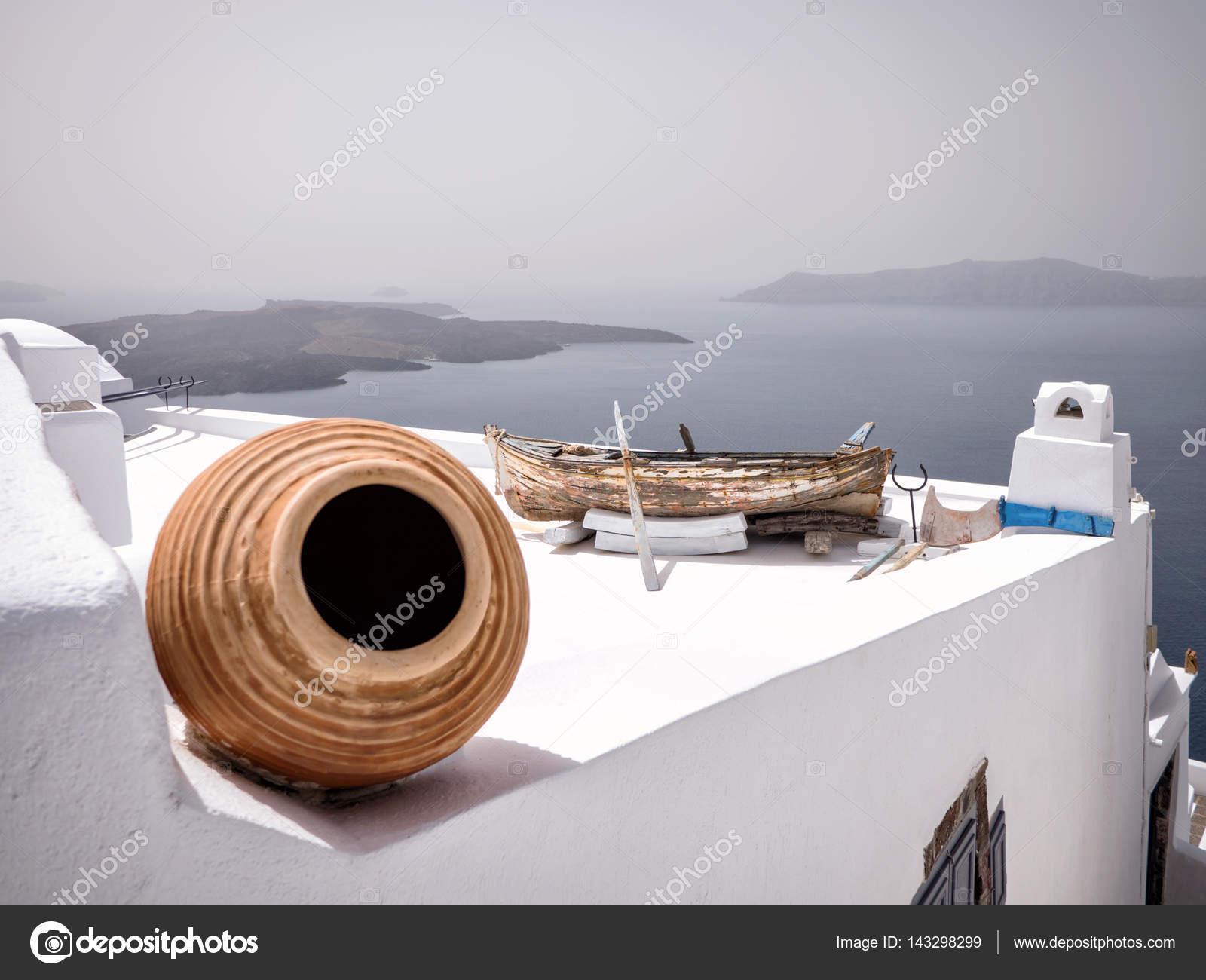 Häuser mit Dekoration in Santorini — Stockfoto © smoxx #143298299