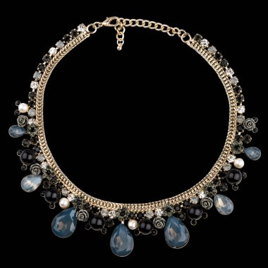 Golden necklace with sapphire