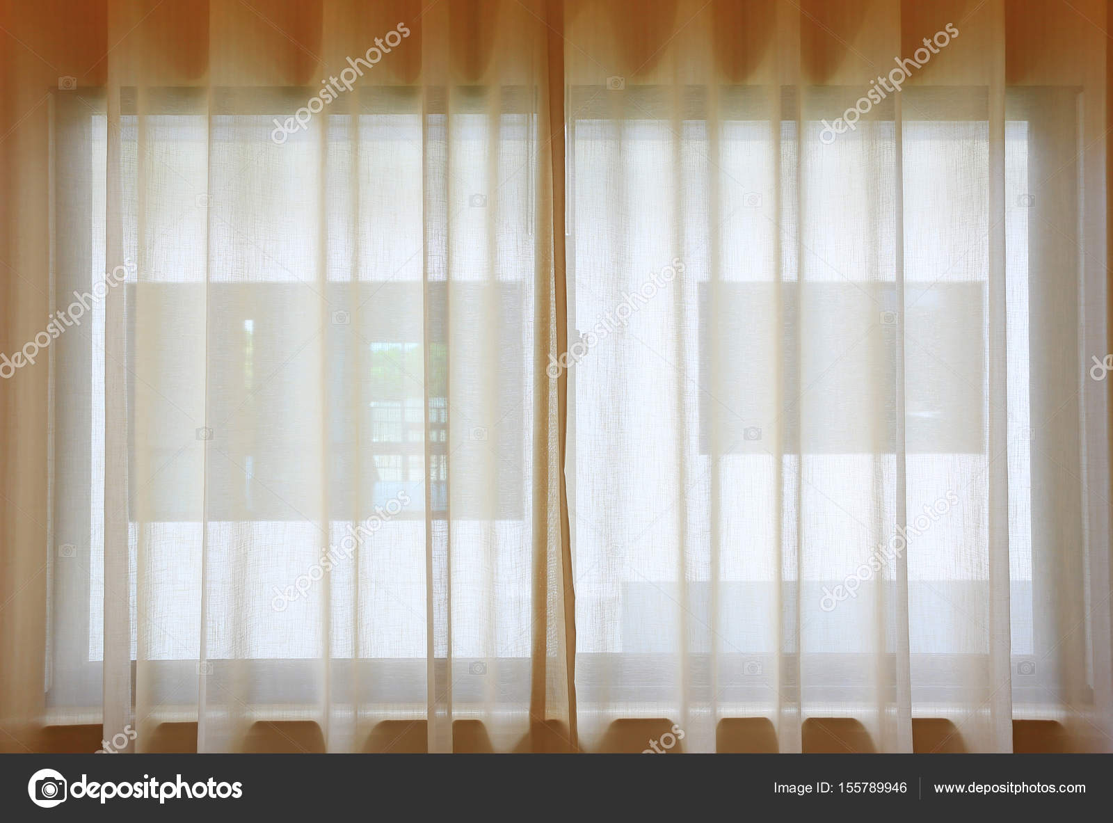 https://st3.depositphotos.com/12318692/15578/i/1600/depositphotos_155789946-stockafbeelding-transparante-gordijn-op-venster-gordijn.jpg
