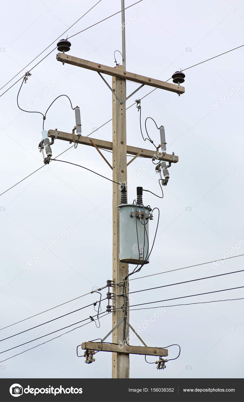 Electric pole connect to the high voltage electric wires — Stock ...