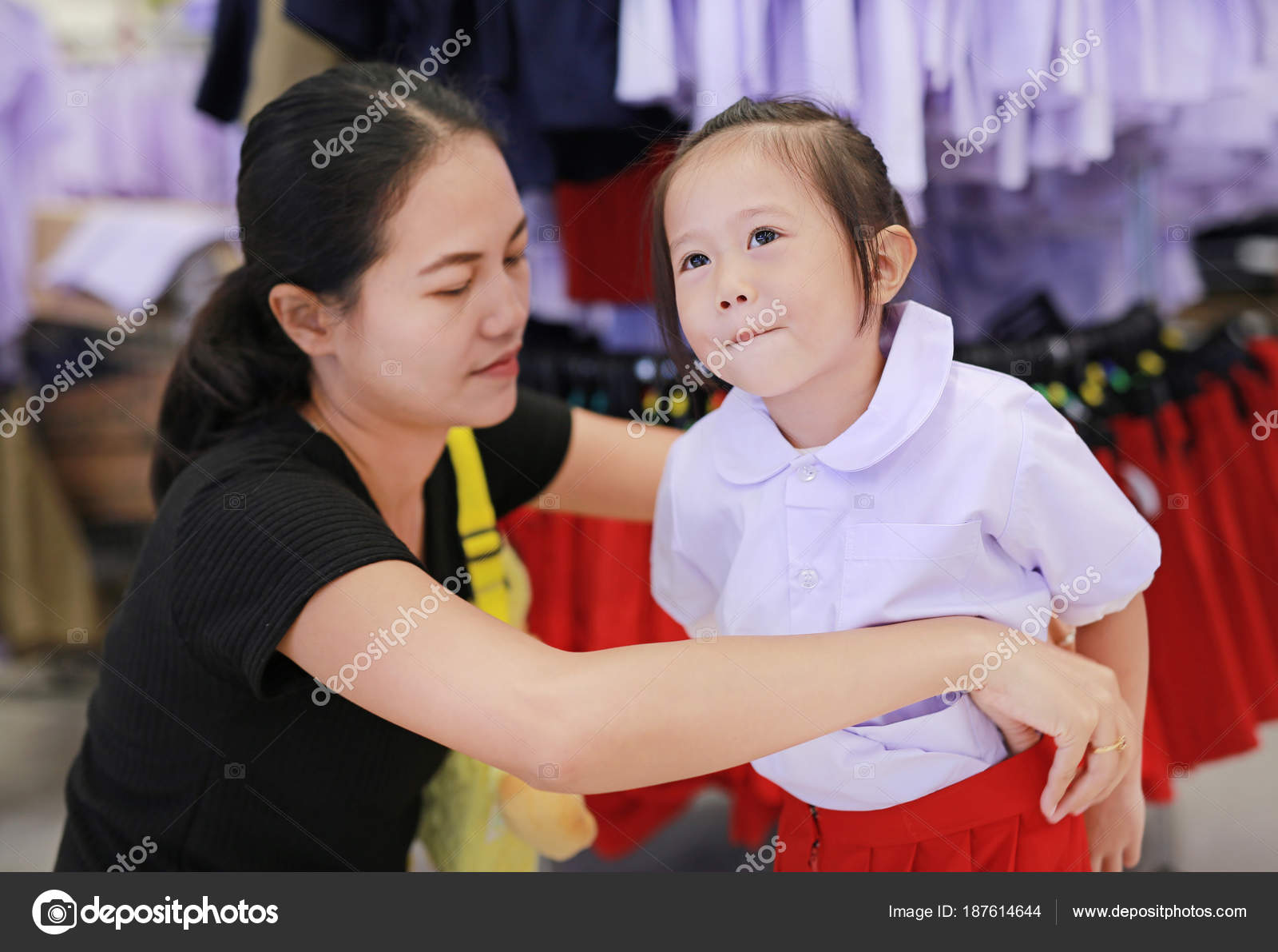 Crianças Dela Filha Vestir Tenta Uniforme Mãe Para Jardim Escola 1Jl3uF5KcT