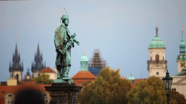 Praha, český železniční křižovatka socha svatého Jana Nepomuckého v Karlův most