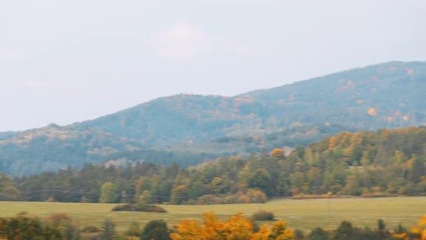 Cesky Krumlov, Česká republika. Okolí města v slunečný podzimní den. Pan, Panorama